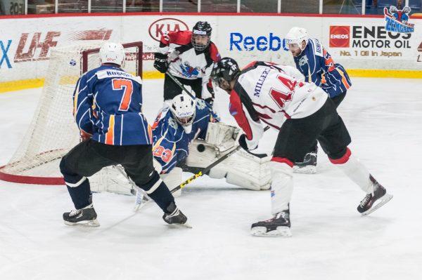 """2016. gada 14. decembrī, Jelgavas ledus hallē notika Latvijas hokeja Virslīgas spēle starp HK """"Zemgale/LLU"""" un HK """"Pārdaugava"""", kura tika pārnesta no janvāra mēneša beigām. Jelgavnieki sākot pirmo trešdaļu ar pieciem gūtiem vārtiem, spēles beigās panāca uzvaru ar rezultātu 11:2. Foto: Ruslans Antropovs, rusantro.com"""