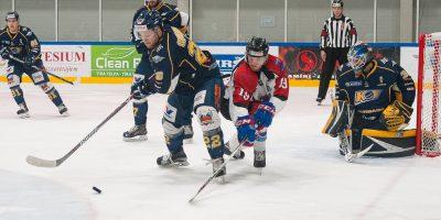 """Optibet hokeja līgas regulārā čempionāta spēle starp HK """"Kurbads"""" un HK """"Zemgale/LLU"""" Kurbads ledus hallē, Rīgā, 2018. gada 13. februārī."""