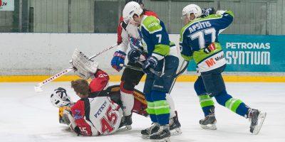 """Optibet hokeja līgas izslēgšanas spēļu kārtas pusfināla pirmā spēle starp HK """"Mogo"""" un HK """"Zemgale/LLU"""" Mogo ledus hallē, Rīgā, 2018. gada 24. februārī. Petkus"""