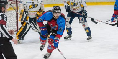 """Optibet hokeja līgas fināla izslēgšanas kārtas ceturtā spēle starp """"Zemgale/LLU"""" un """"Kurbads"""" Jelgavas ledus hallē, 2018. gada 17. martā."""