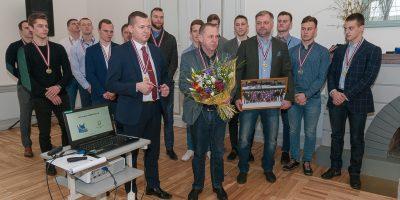 """HK """"Zemgale/LLU"""" komanda un vadība apmeklē Latvijas Lauksaimniecības universitāti, kur tiekas ar mācībspēkiem, aizvadot ļoti patīkamu pēcpusdienu."""