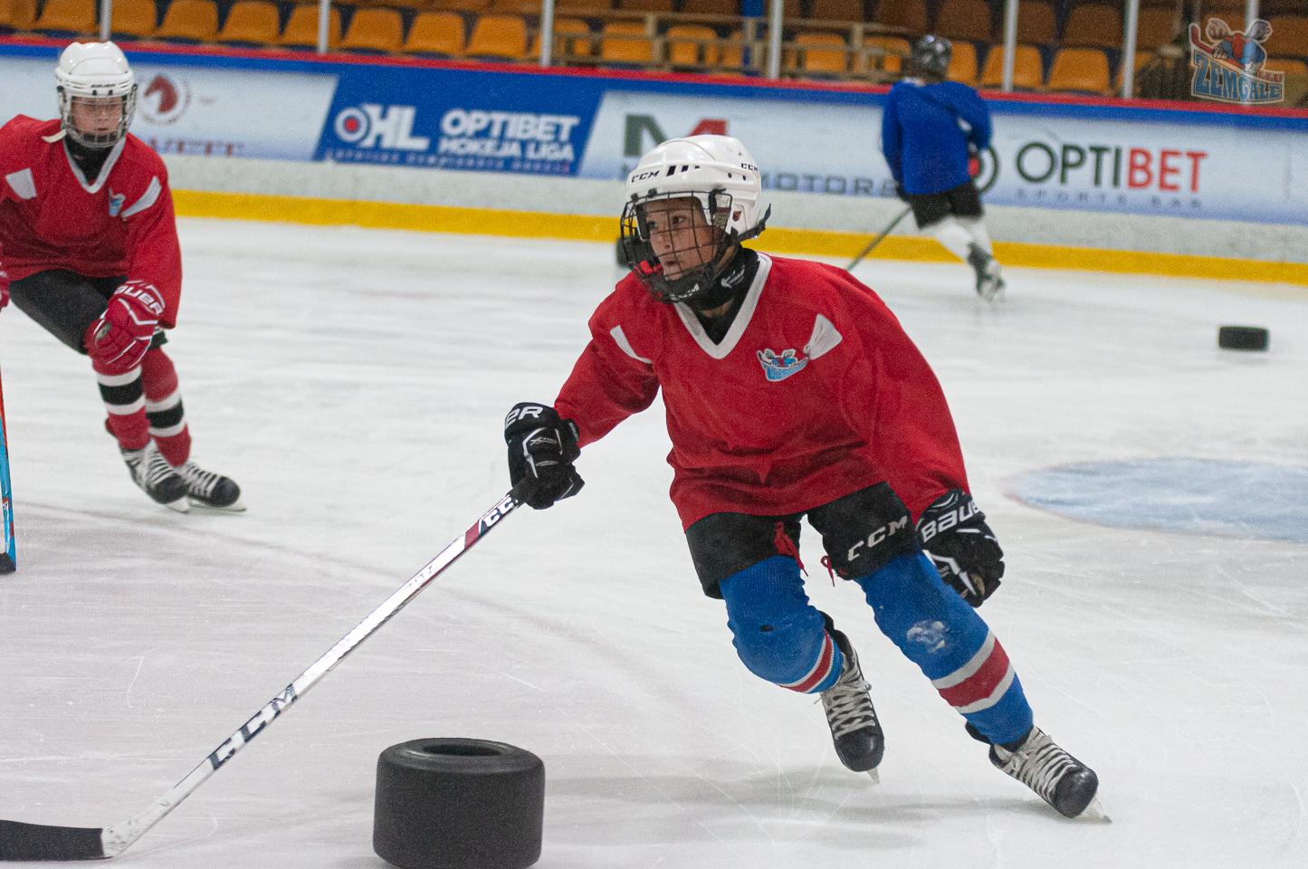 JLSS U15 hokejisti trenējās