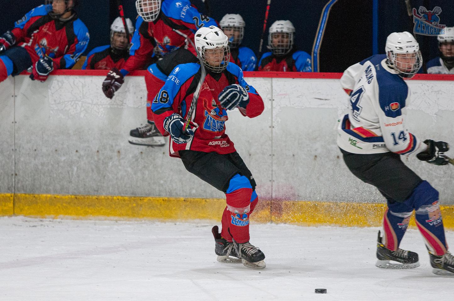 Jelgavas hokeja skola JLSS U17 - Venta 2002 14092019-03