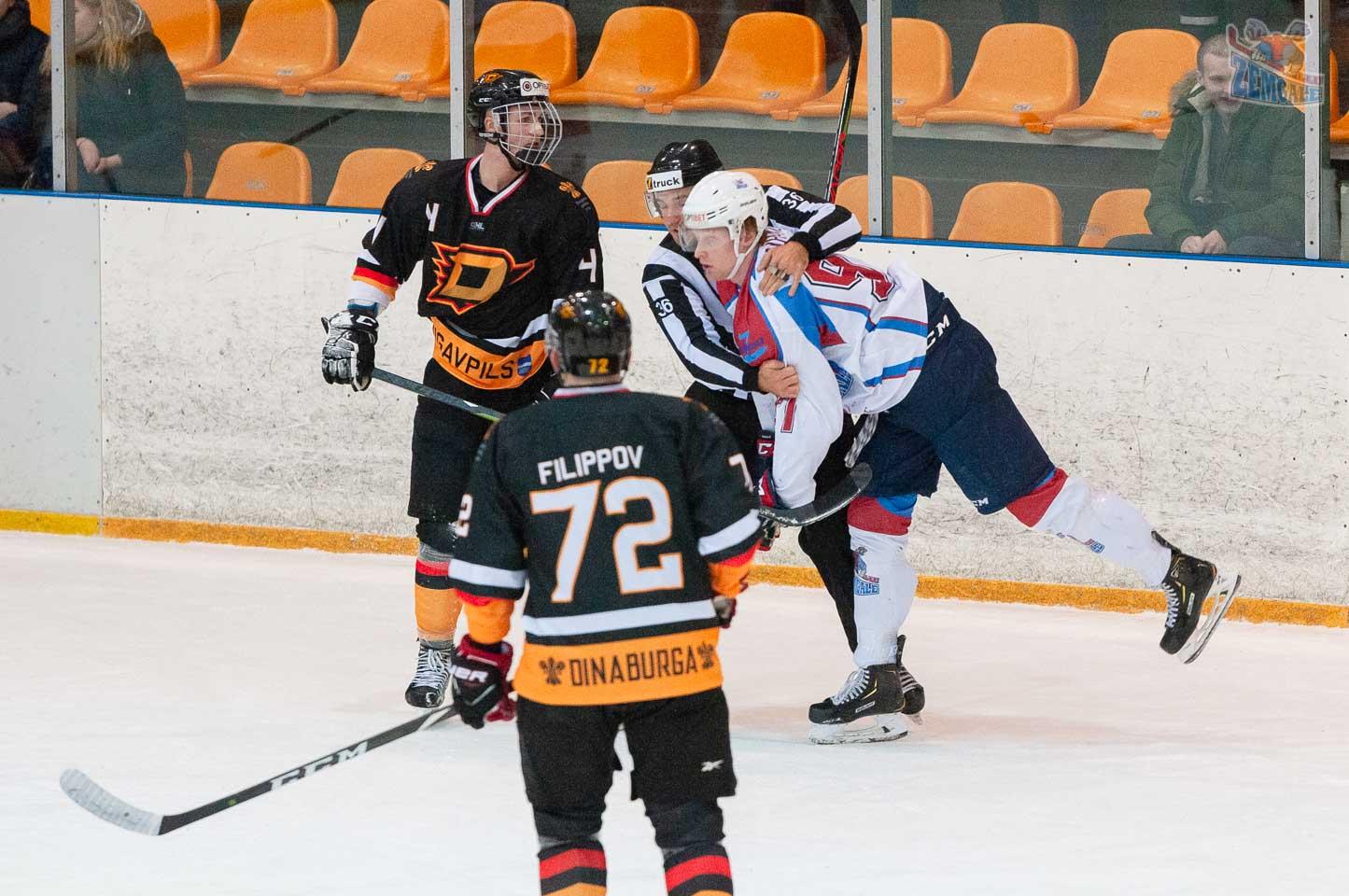 Tiesnesis izšķir hokejistu kautiņu