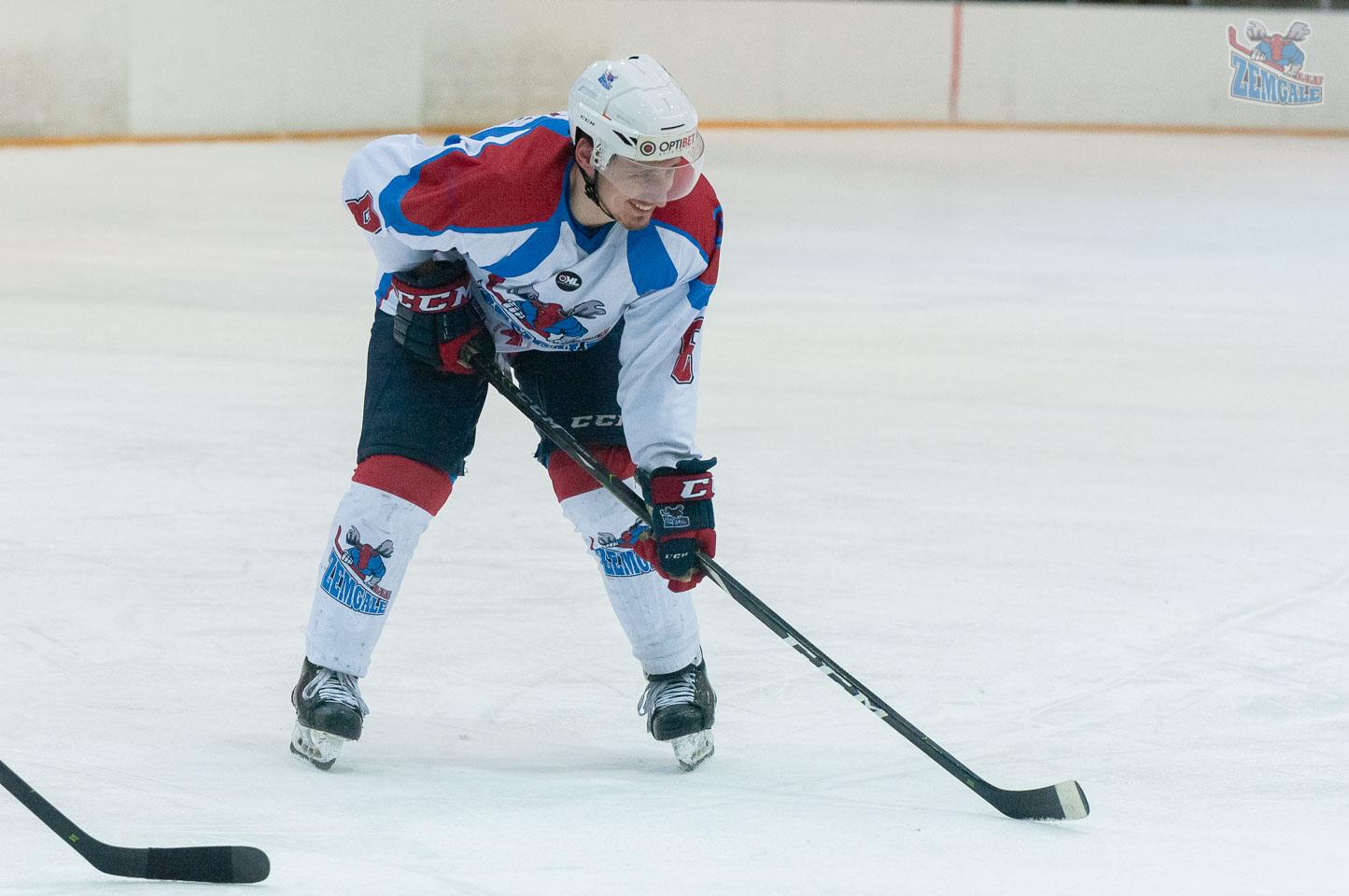 Smaidošs hokejists
