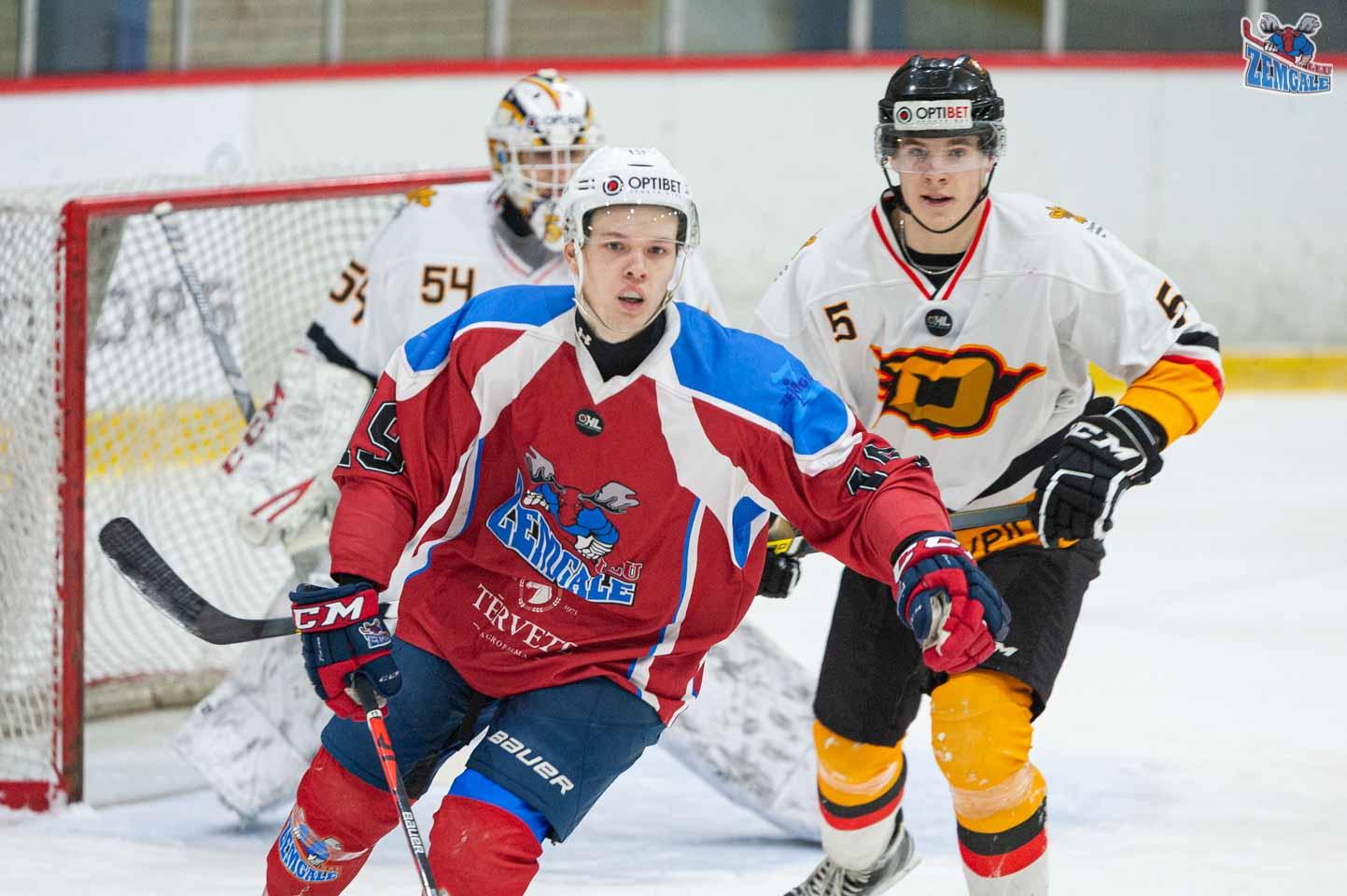 hokejs-4