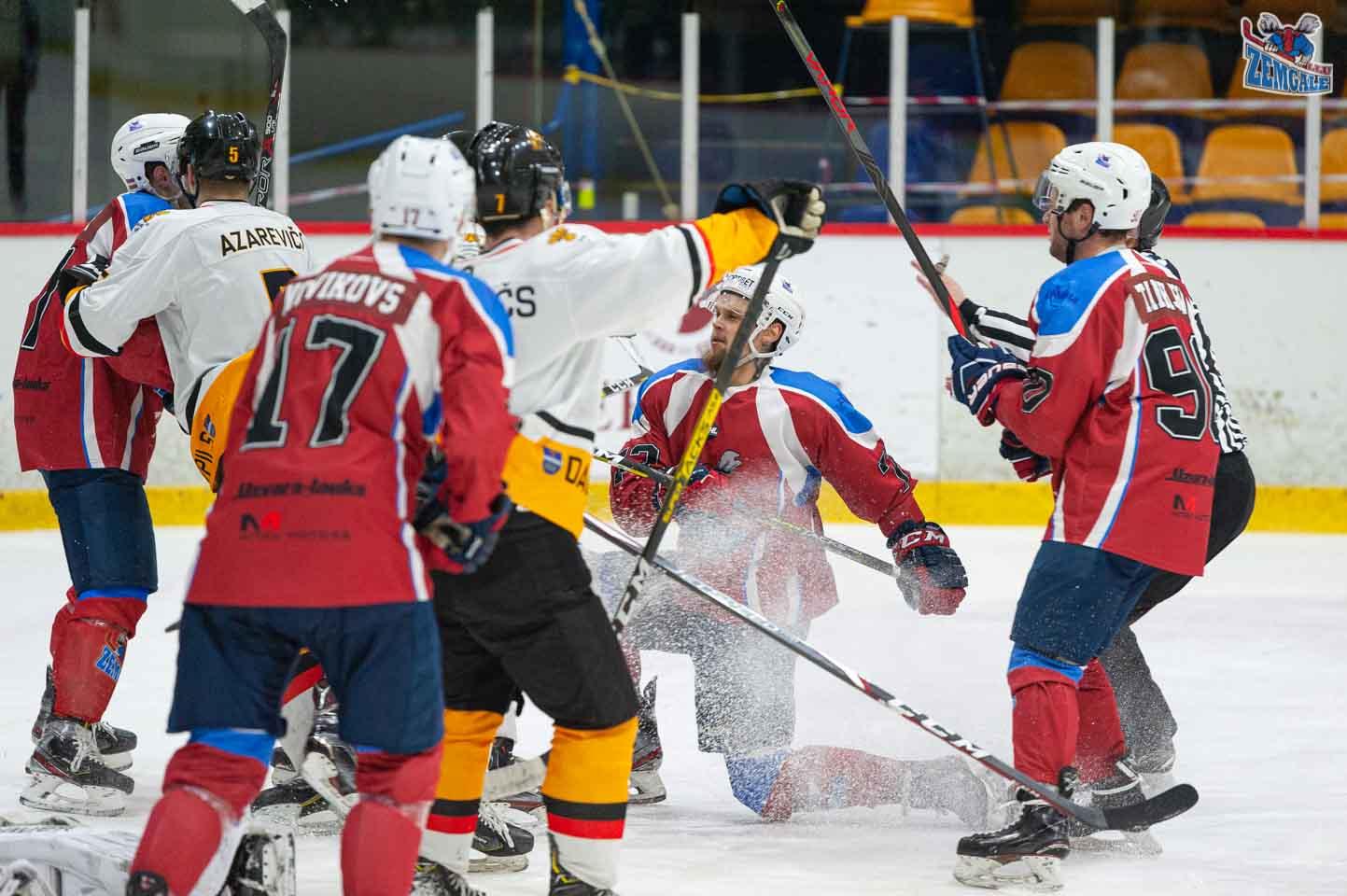 hokejs-7